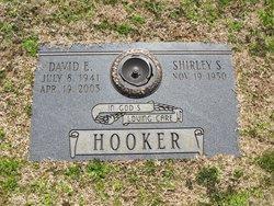 David E Hooker