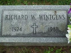 Richard W Wintgens
