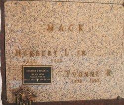 "Yvonne Ruth ""Bonnie"" <I>Seig</I> Mack"