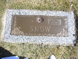 """Jeannette Ann """"Jan"""" <I>Woodmansee</I> Snow"""