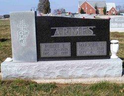 Robert Earl Armes