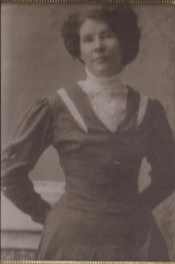 "Frances Evelyn ""Fannie"" <I>Gill</I> Arnott"