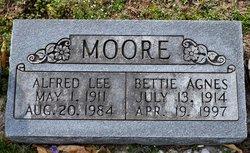 Bettie Agnes <I>Van Buskirk</I> Moore