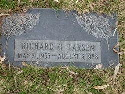 Richard O Larsen