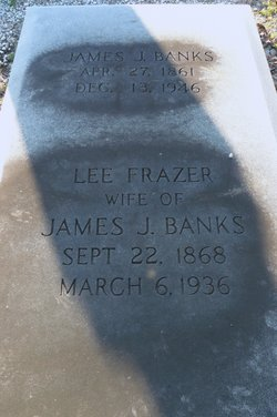 "Laura Lee ""Lee"" <I>Frazer</I> Banks"