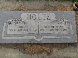 Austin Houtz