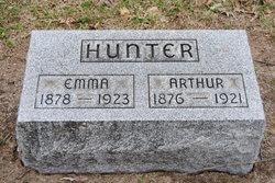 Arthur M Hunter
