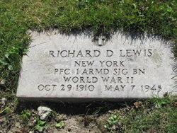 Pvt Richard D Lewis