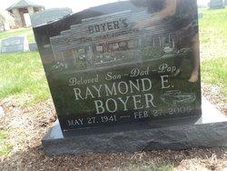 Raymond E Boyer