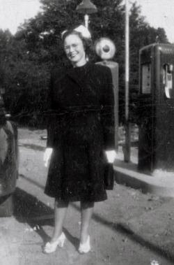 """Dorothy Roberta """"Sis"""" <I>Godfrey</I> Conover"""