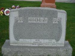 Lieut Kenneth E. Holz