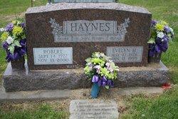 "Evelyn Maxine ""Maxine"" <I>Hooker</I> Haynes"