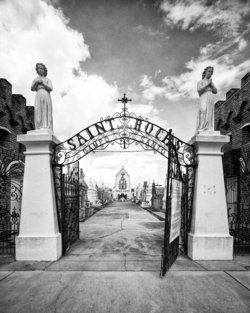 Saint Roch Cemetery #01