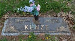 Charlynn Kunze