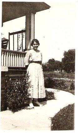 Eva Gladys <I>Snelson</I> Hill