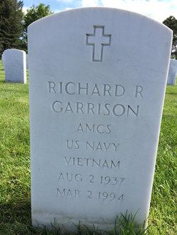 Richard R Garrison