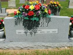"Dorothy Lynell ""Nell"" <I>Barnard</I> Berry"