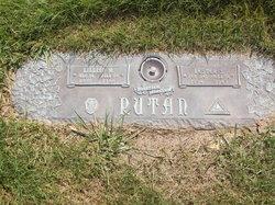 Lillian M Rutan