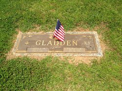 """Patricia Claire """"Pat"""" <I>Bagwell</I> Gladden"""
