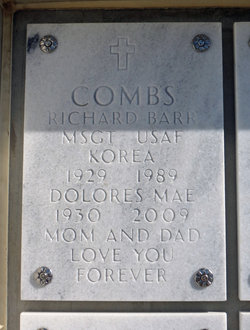 Dolores Mae <I>Thill</I> Combs