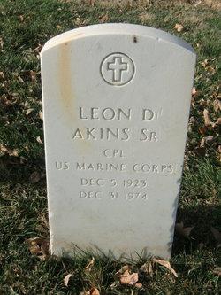 Leon D Akins, Sr