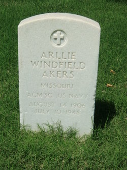 Arllie Windfield Akers