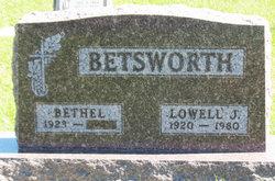 Lowell J Betsworth