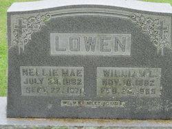 William L Lowen