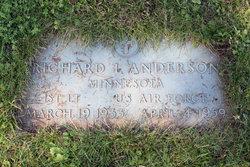 1LT Richard L Anderson
