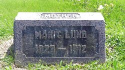 Marit <I>Moen</I> Lund