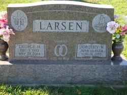 Dorothy Wilma <I>Smith</I> Larsen