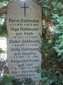 Olga <I>Kluth</I> Bahlmann