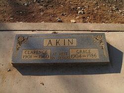 "Grace Mae ""Gracie"" <I>Karnes</I> Akin"