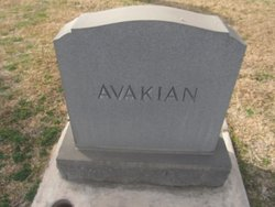 "Robert ""Bobby"" Avakian (1929-2013) - Find A Grave Memorial"