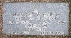 Della M Curtis
