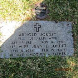 Jean L Jordet