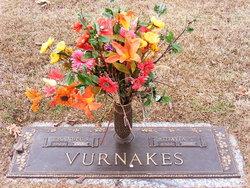 Emmanuel Steve Vurnakes (1923-2006) - Find A Grave Memorial