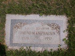 Edmund M Kniphausen
