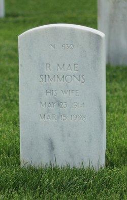 R Mae Simmons