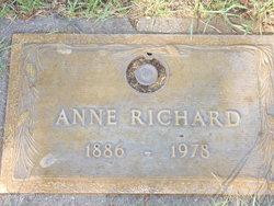 Anne <I>Smith</I> Richard