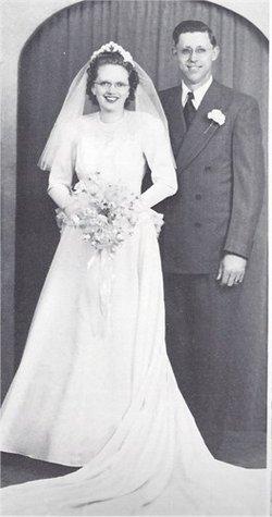 Gladys Myrtle <I>Peterson</I> Wareberg