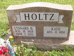 Leonard H Holtz