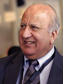 Dr Peter Jamel Khan