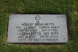 Robert D Betts