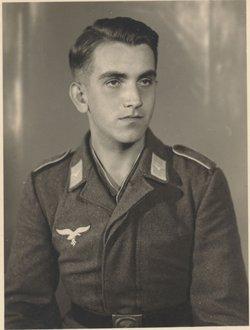 """Johannes Georg """"Hans-Georg"""" Elster"""