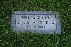 Velura Gladys <I>Jentoft</I> Uhlig