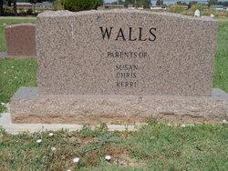 Travis Gene Walls