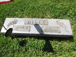 Vivian B. <I>Thompson</I> Dille