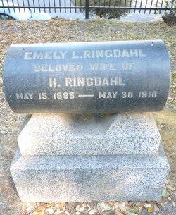 Emely L Ringdahl