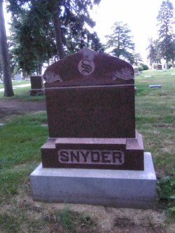 Mary T Snyder